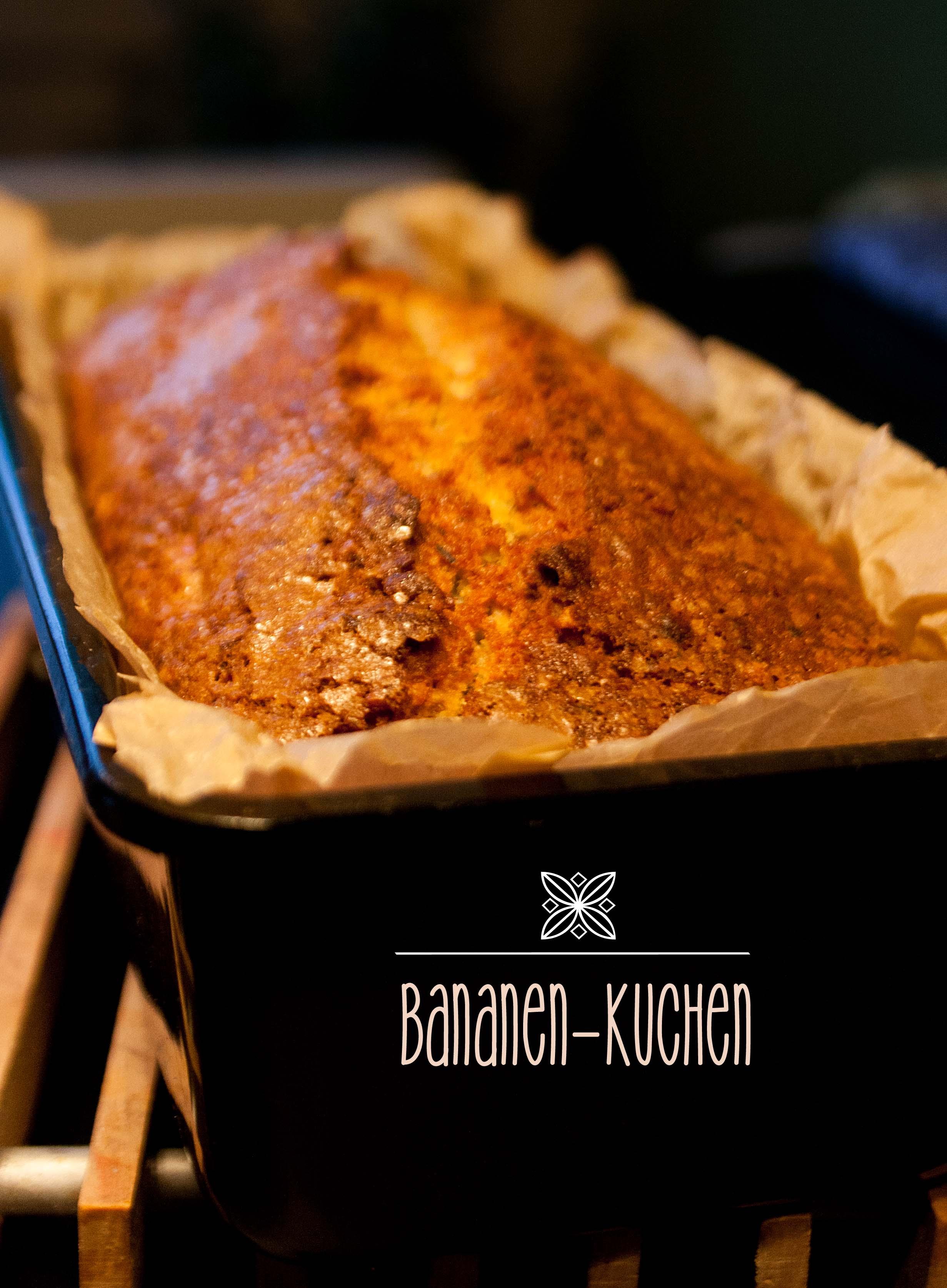 Blitzschneller Bananenkuchen. Das Rezept für den schnellen Bananenkuchen findet ihr auf: http://babyrockmyday.com/bananen-kuchen/