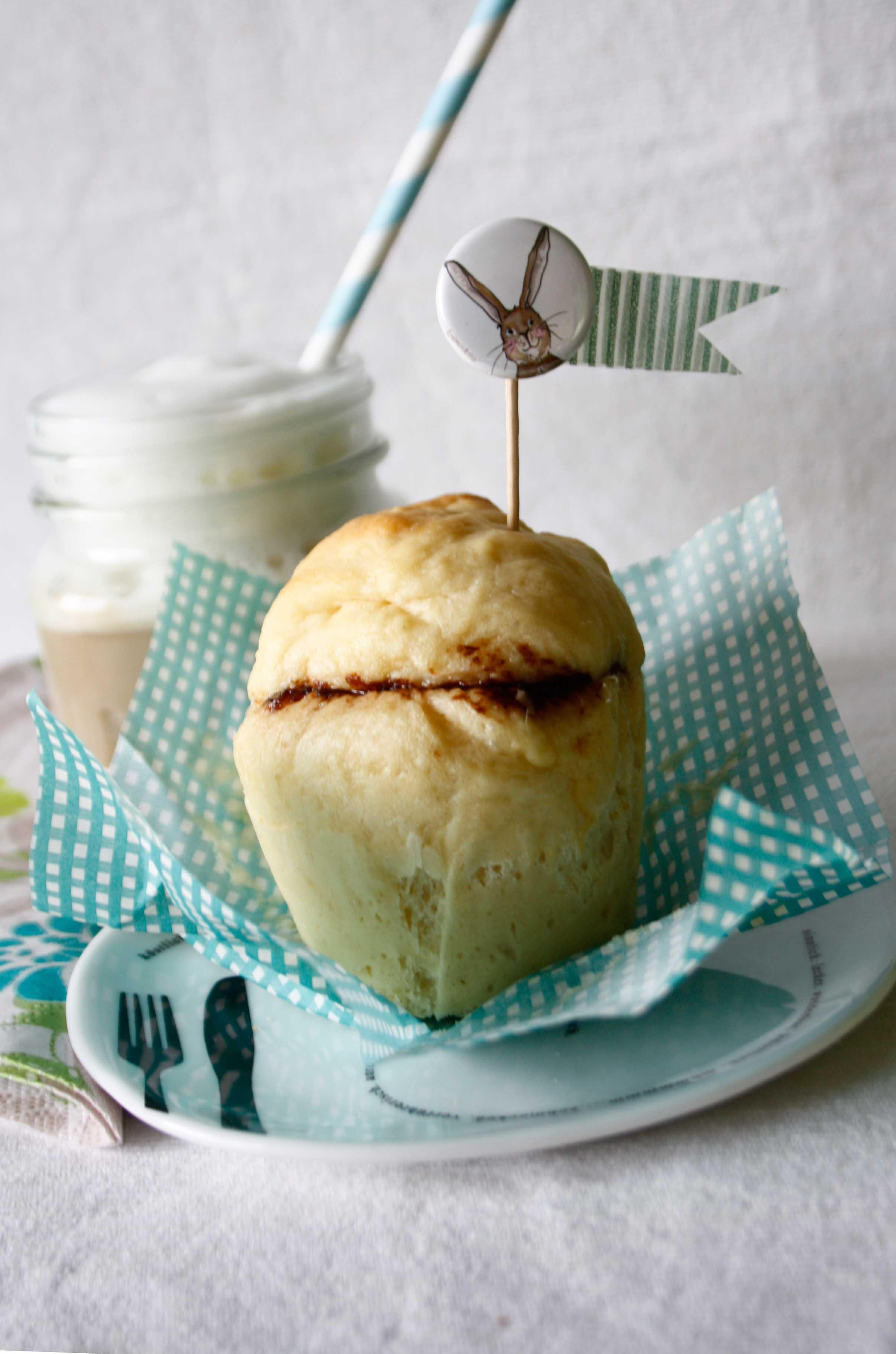 Kleine Brioches // yeast Bread by http://babyrockmyday.com/brioche/ 