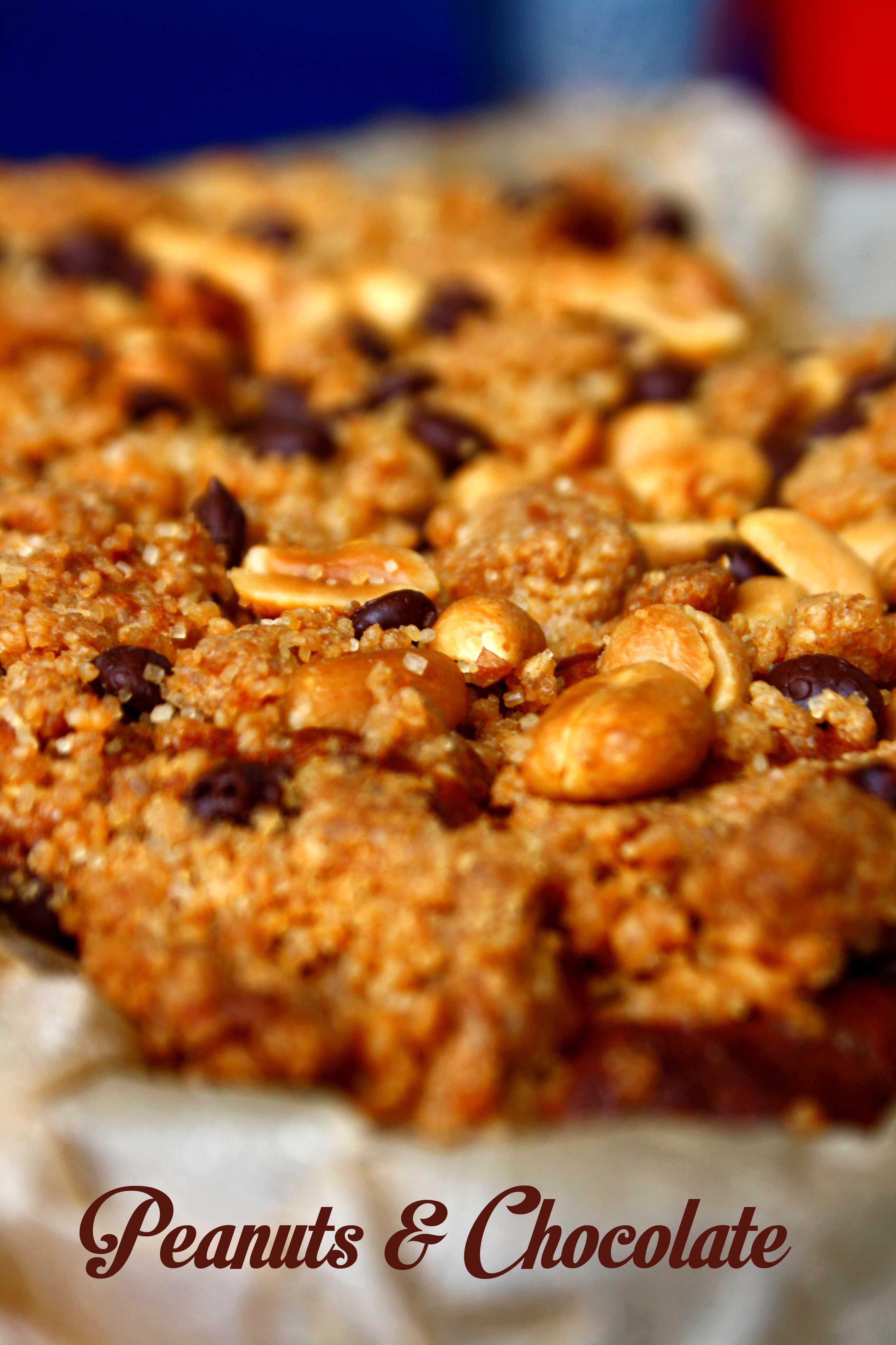 Erdnuss Schoko Streusel Kuchen // Peanut Chocolate Crumble Cake by http://babyrockmyday.com/erdnuss-schoko-streusel-kuchen/