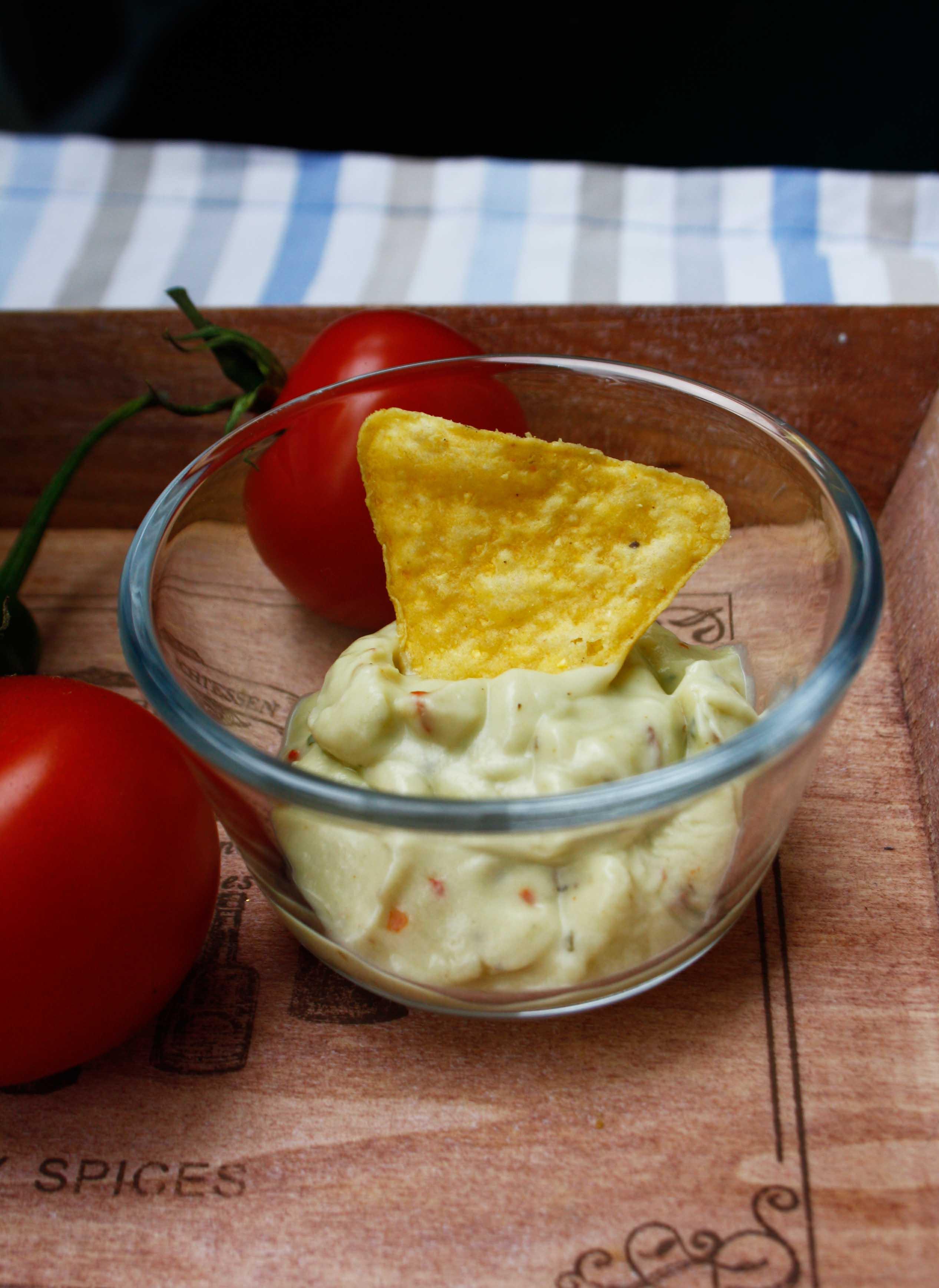 Guacamole-Dip By http://babyrockmyday.com/guacamole-dip/