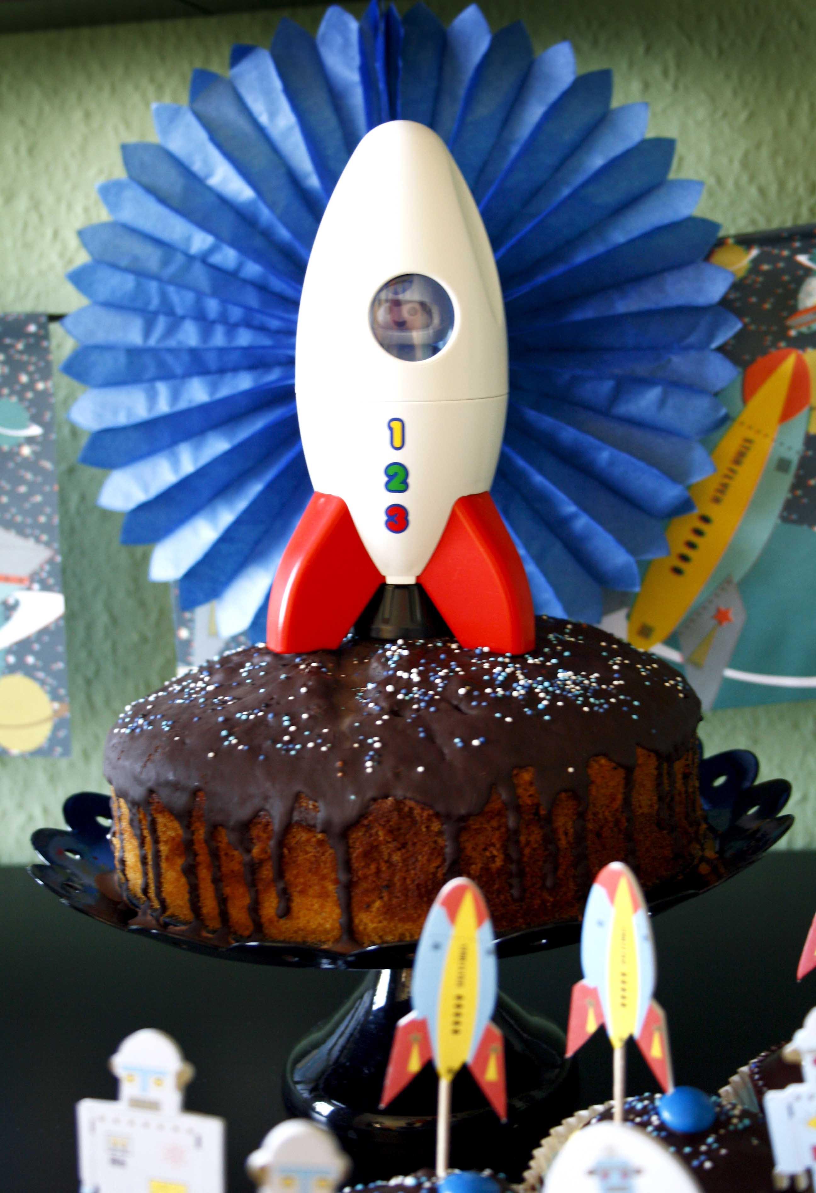 Zebra-Kuchen // Black ans white cake by http://babyrockmyday.com/zebra-kuchen/
