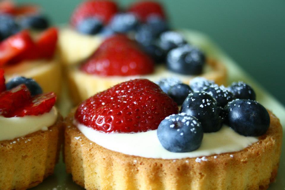 Vanille-Törtchen mit Früchten