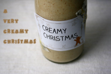 Süßer Sahne Weihnachts Schnaps // Sweet and creamy Christmas liqueur by http://babyrockmyday.com/i-wish-you-a-creamy-christmas/