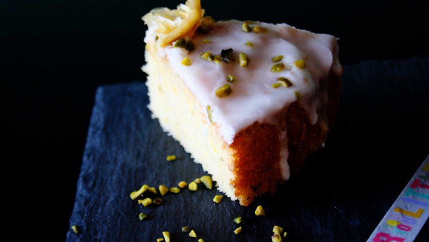 Zitronen-Thymian-Kuchen // Lemon Thyme Cake by Zitronen-Thymian-Kuchen