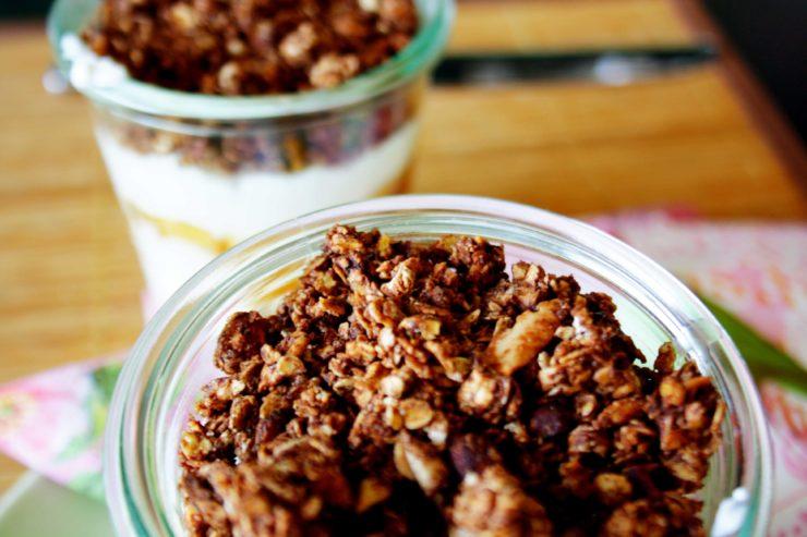 Knuspermüsli // Granola by http://babyrockmyday.com/knuspermusli/