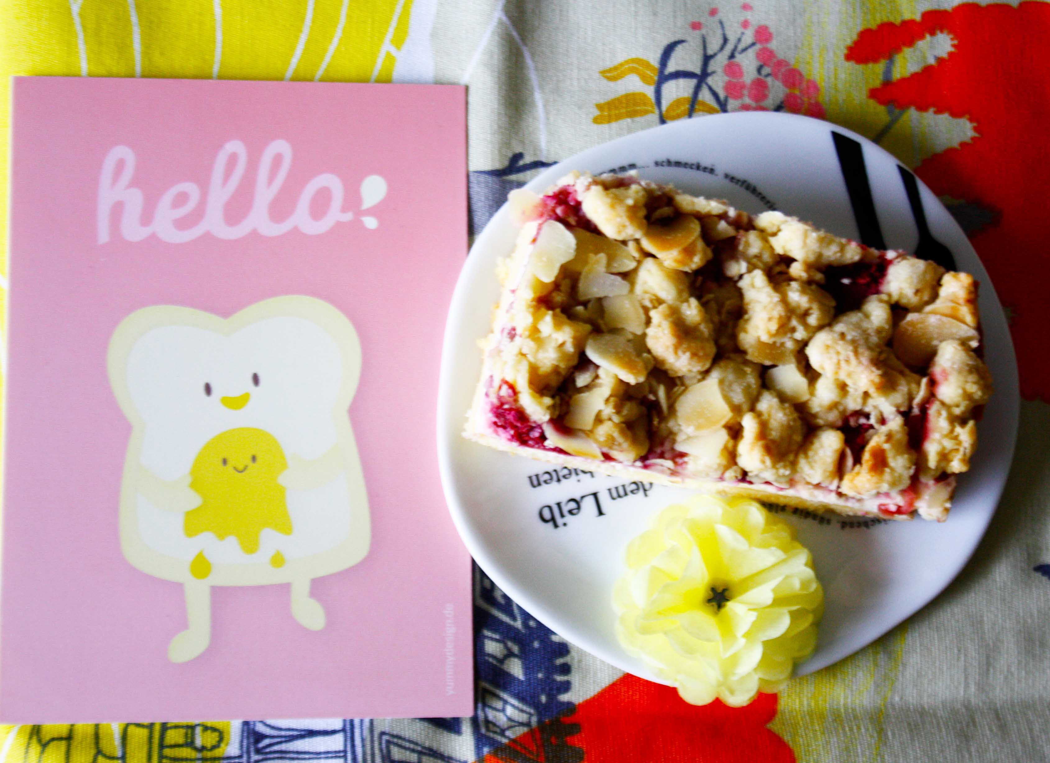 Apfel Himbeer Streusel Kuchen // Crumble Cake with apple and raspberry by http://babyrockmyday.com/apfel-himbeer-streusel-kuchen/