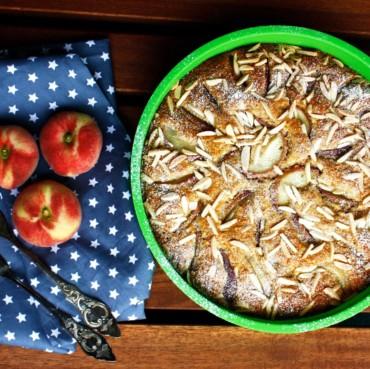 Pfirsich Kuchen // Peach Cake by http://babyrockmyday.com/pfirsich-kuchen/