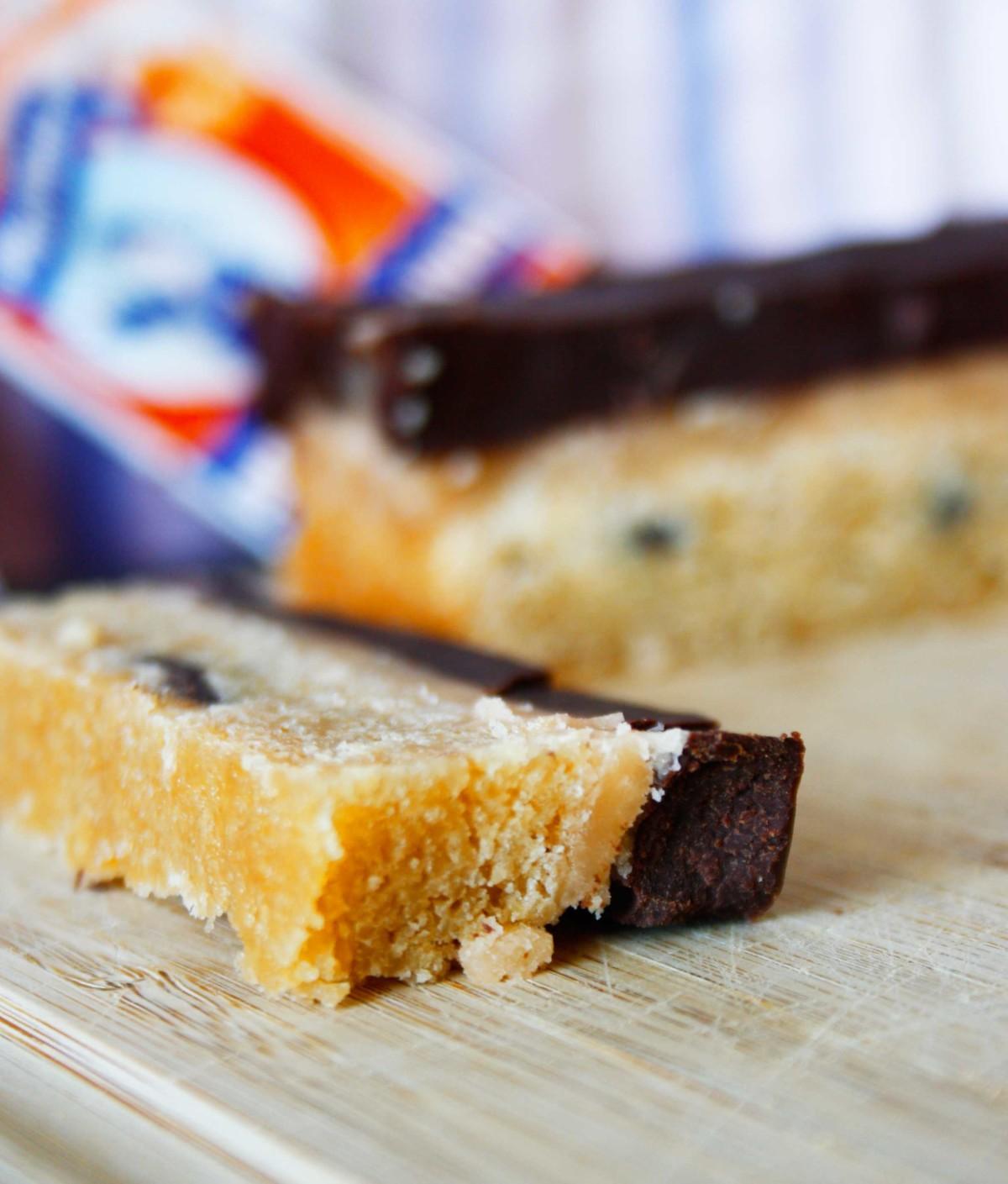 Shortbread mit Karamell und Schokolade