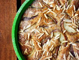 Mandelkuchen mit Pfirsich