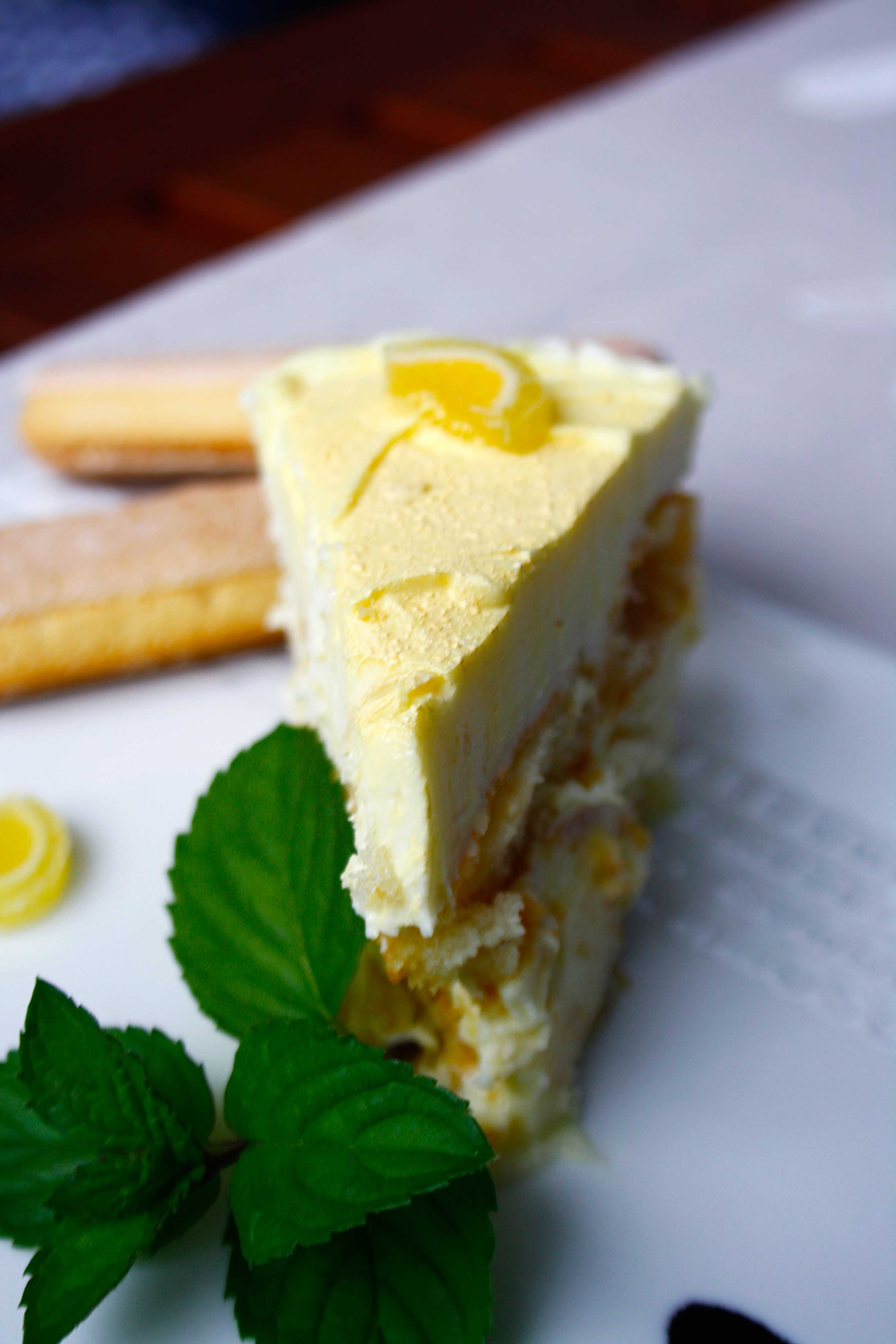 Zitronen-Tiramisu by http://babyrockmyday.com/zitronen-tiramisu/