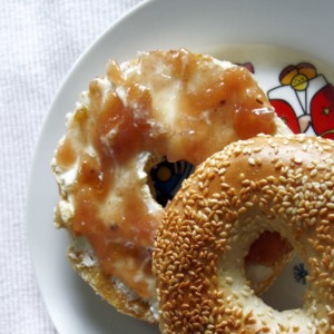 Bratapfelmarmelade // Jam with baked apples by http://babyrockmyday.com/bratapfelmaremlade/