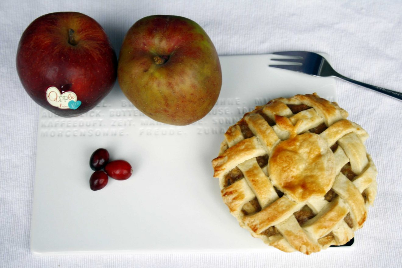 Apple-Pie-Pastete // Apple Pie by http://babyrockmyday.com/apple-pie-pastete/