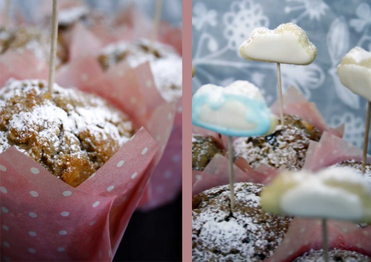 Wolken Muffins // Muffins with Cloudy Cookies by http://babyrockmyday.com/wolken-muffins/