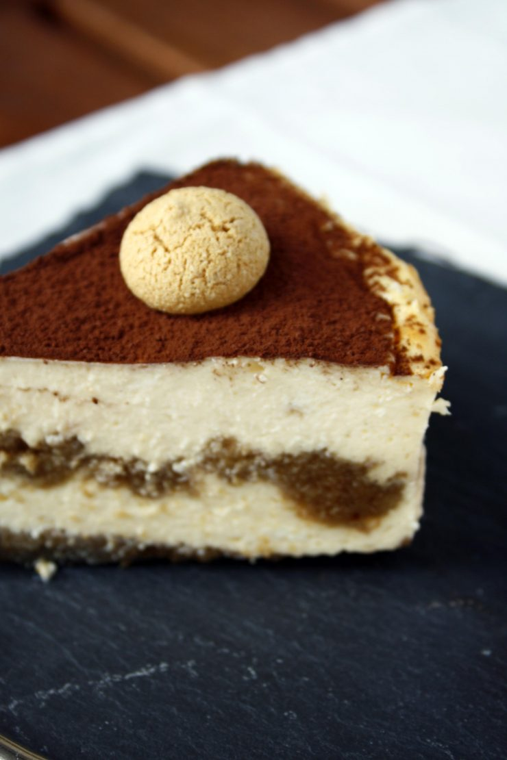Tiramisu Cheesecake by http://babyrockmyday.com/tiramisu-cheesecake/