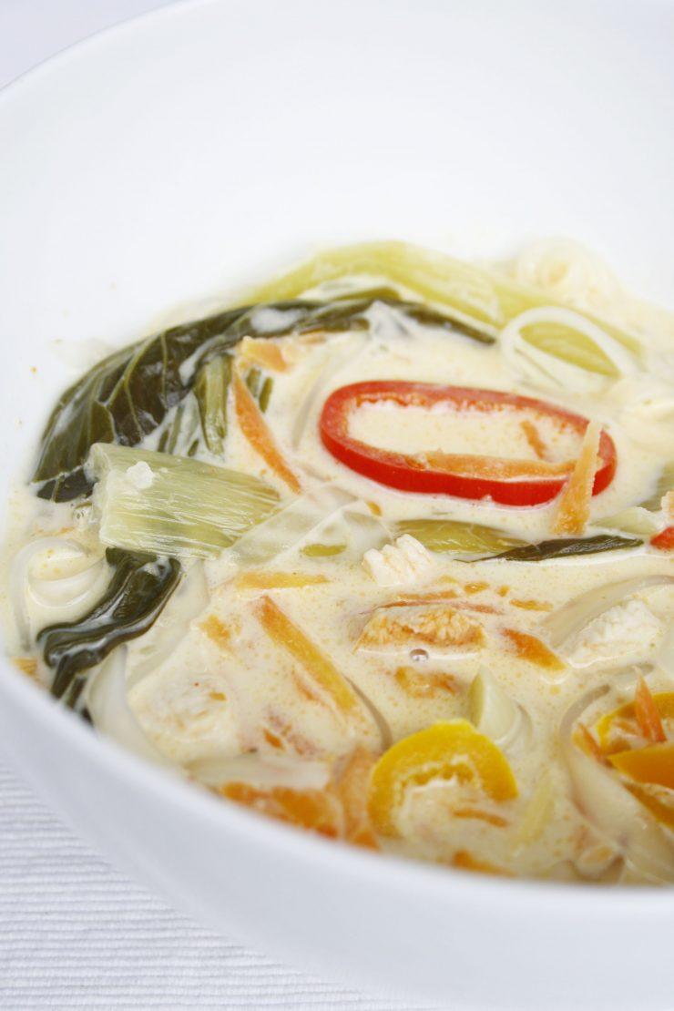 Kokossuppe mit Pak-Choi // Coconut Soup with Pak-choi by http://babyrockmyday.com/kokossuppe-mit-pak-choi/