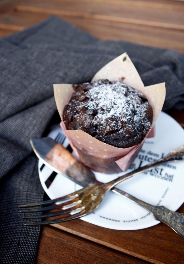 Schokoladen Muffins // Chocolate Muffins by http://babyrockmyday.com/schokoladen-muffin/