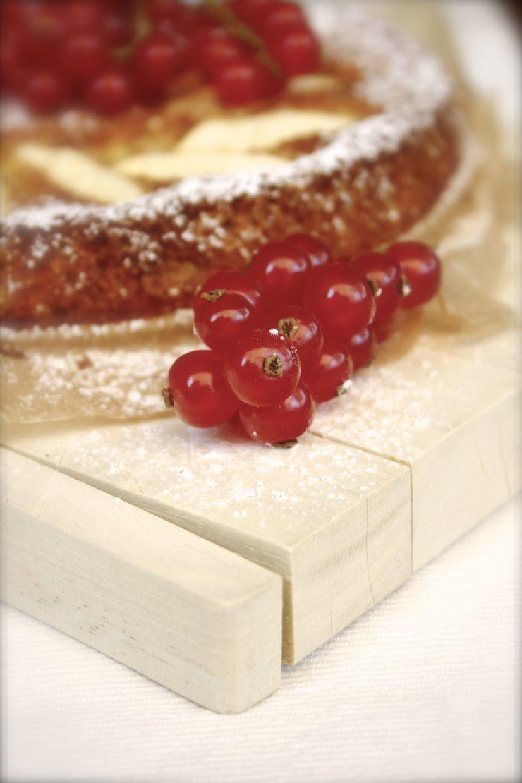 Apfel Mandel Kuchen // Almond Cake with Apple by http://babyrockmyday.com/mandelkuchen/