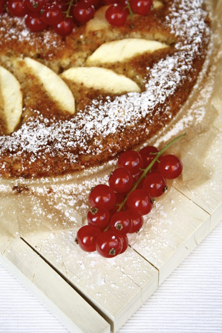 Apfel Mandel Kuchen // Almond Cake with Apple by http://babyrockmyday.com/mandelkuchen/