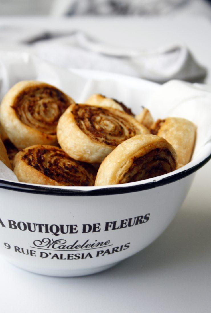 Pesto Blätterteig Schnecken / Puff pastry rolls