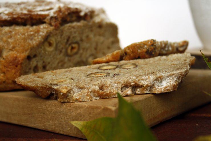 Apfel-Haselnuss-Brot 4