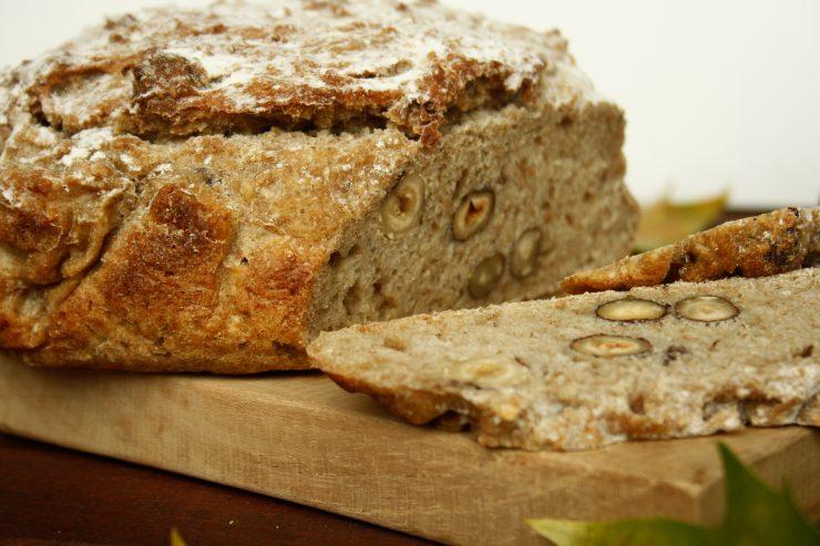 Apfel-Haselnuss-Brot 5