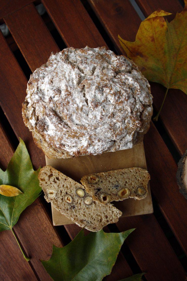 Apfel-Haselnuss-Brot 9