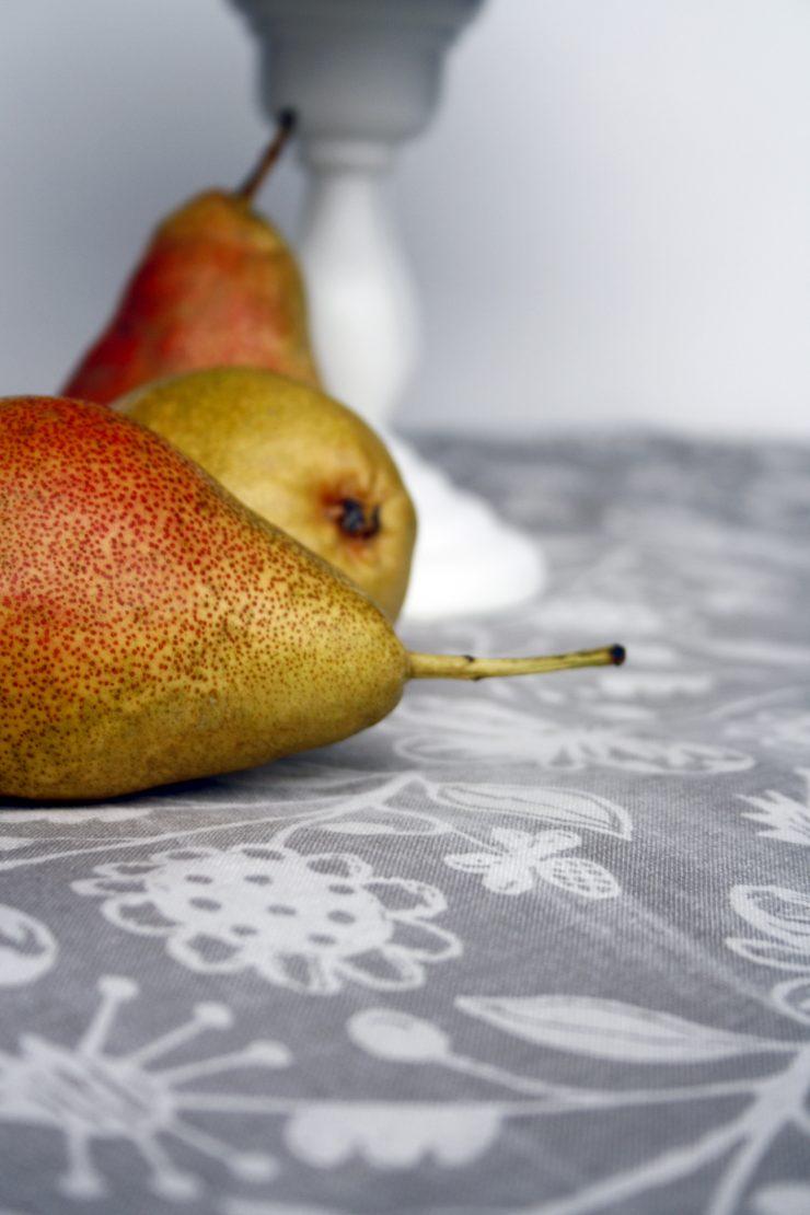 Birnen Gugelhupf // Bundt Cake with Pears