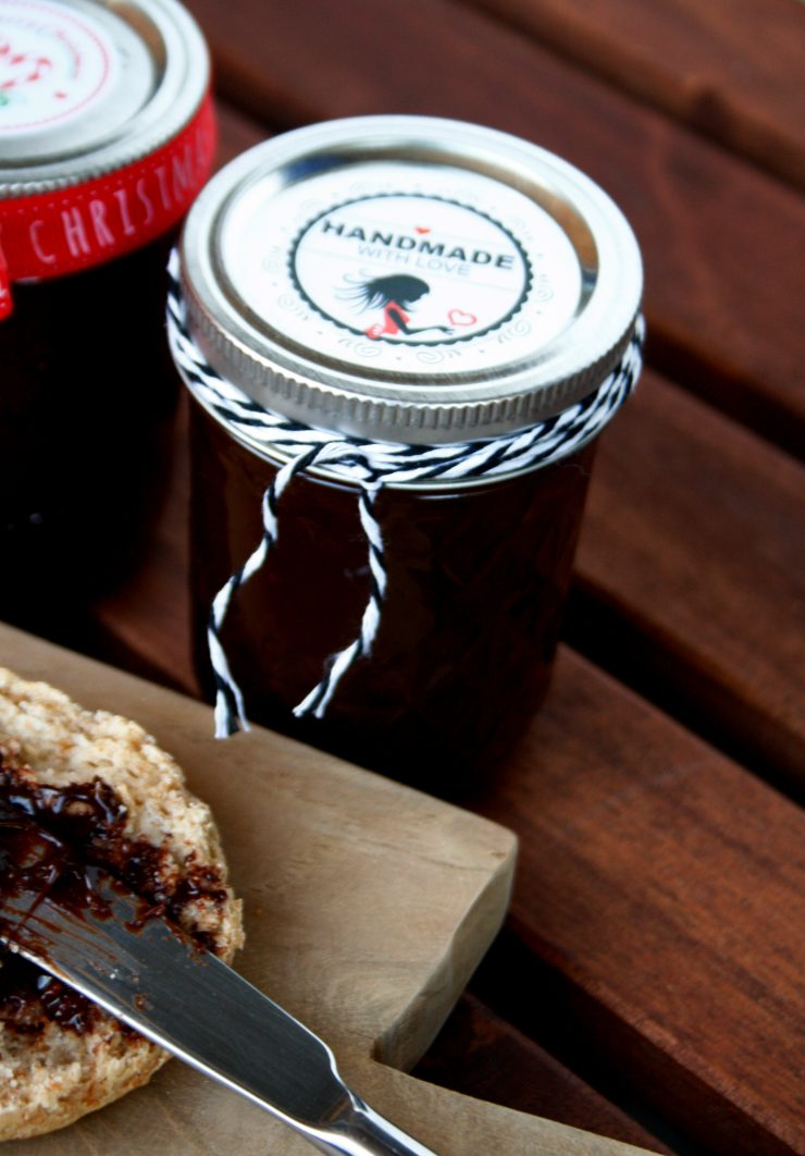 Homemade Schokoladenaufstrich / Schokoladencreme // Homemade Chocolate Spread by http://babyrockmyday.com/homemade-schokoladenaufstrich/