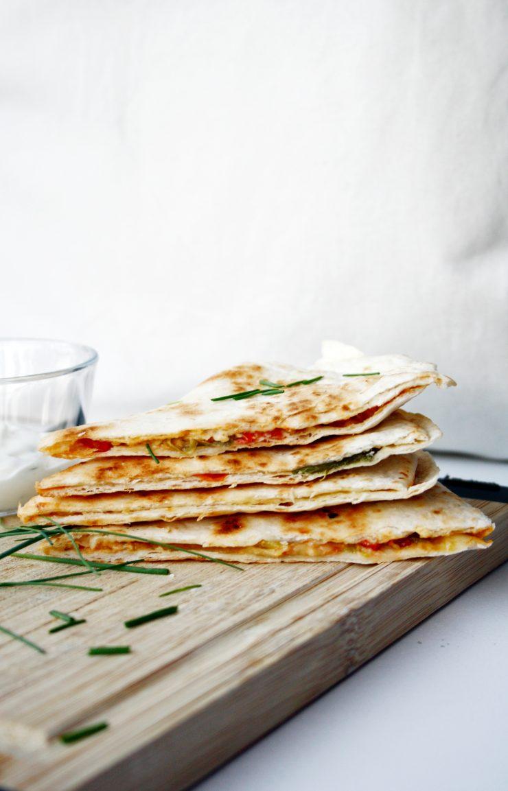 Mexikanische Quesadillas zum Mittag - ganz einfach gemacht // Easy Quesadillas by http://babyrockmyday.com/quesadillas/