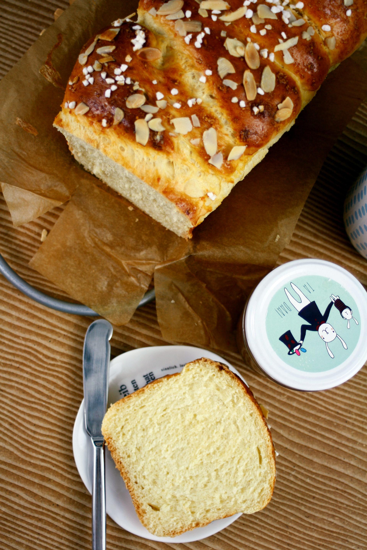 Frühstücks Brioche // Breakfast Brioche by https://babyrockmyday.com/fruehstuecks-brioche/