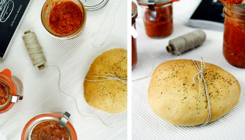 Kräuter Pita // Pita Bread with herbs by http://babyrockmyday.com/kraeuter-pita/