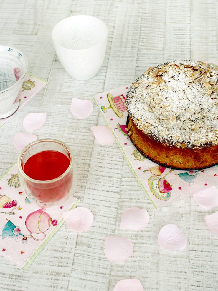 Nuss Ricotta Kuchen // Ricotta cake with nuts
