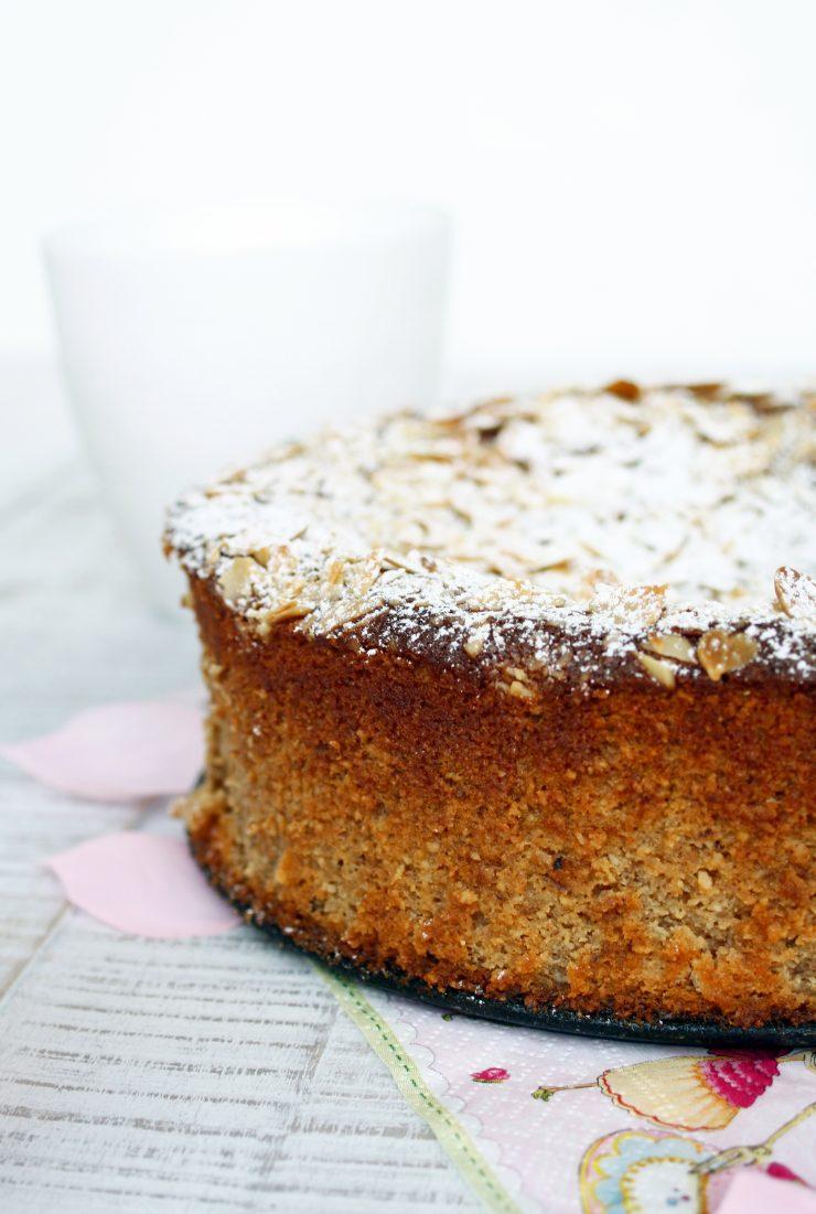Nuss Ricotta Kuchen // Ricotta cake with nuts by http://babyrockmyday.com/nuss-ricotta-kuchen/