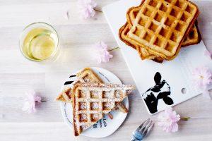 Haselnuss Waffeln // Hazelnut Waffles by http://babyrockmyday.com/haselnuss-waffeln/ezepte/kuchen/