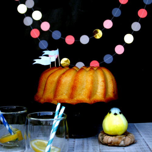 Zitronen Gugelhupf // Lemon Bundt Cake by http://babyrockmyday.com/zitronen-gugelhupf/