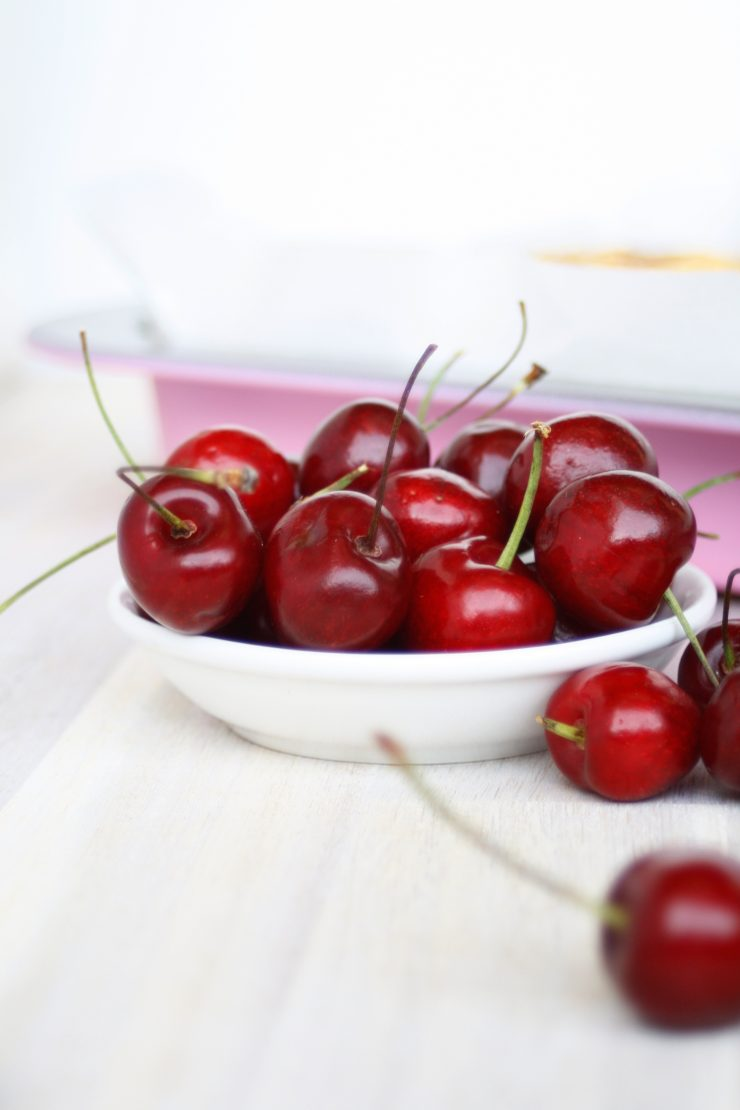 Kirsch Streusek Kuchen // Crumble Cherry Pie
