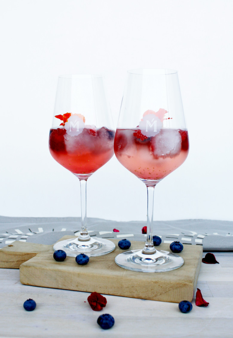 Miamée mit Prosecco und Berren // Miamée with Prosecco and Berries