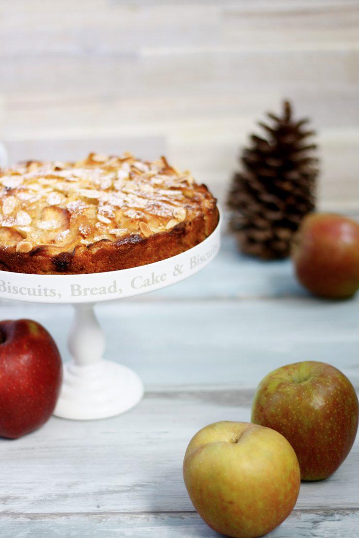 Bretonischer Apfelkuchen // French Apple Pie by http://babyrockmyday.com/bretonischer_apfelkuchen/