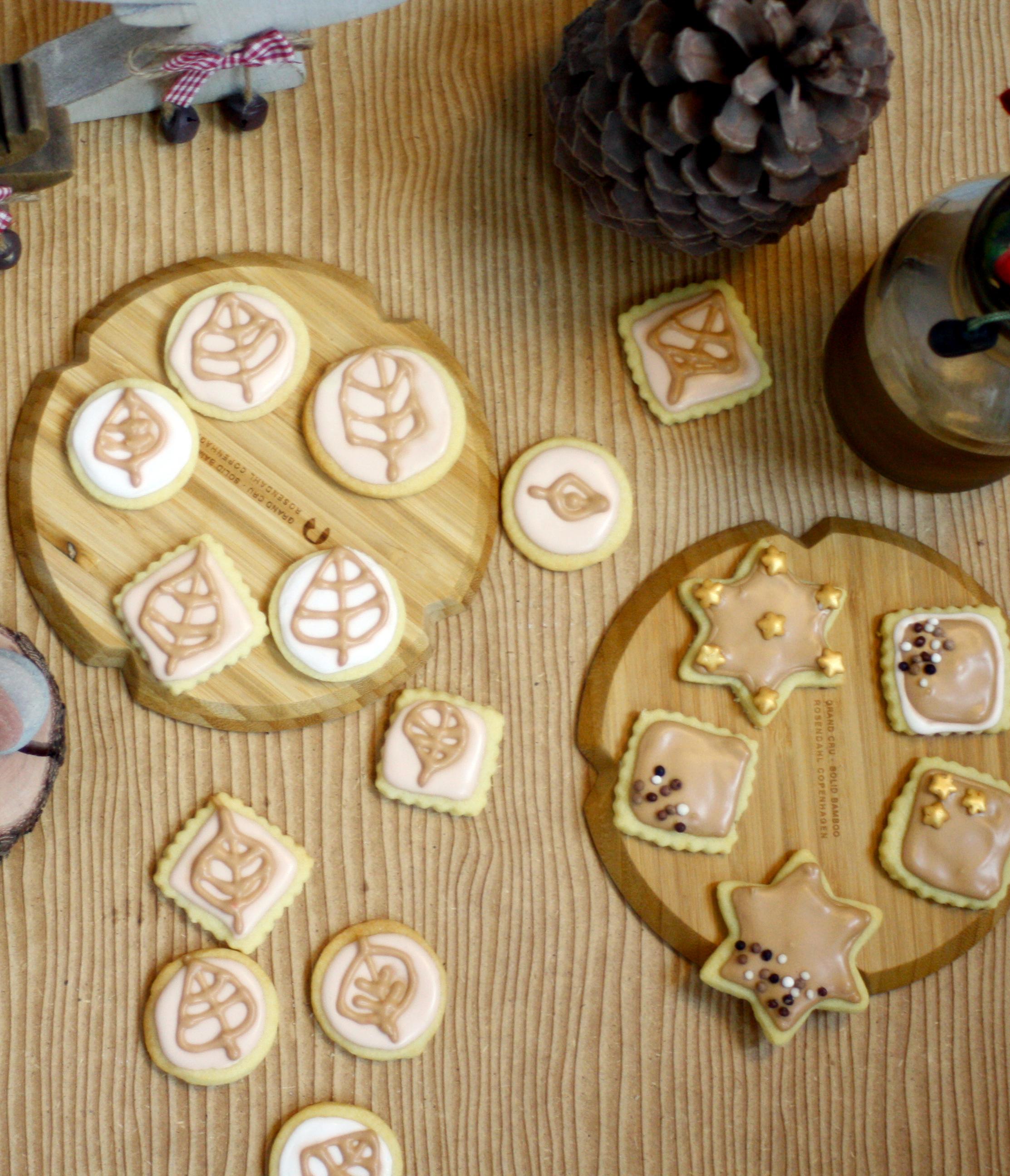 Herbst Mürbekekse // Autumn Cookies with royal icing by http://babyrockmyday.com/herbst-muerbekekse/