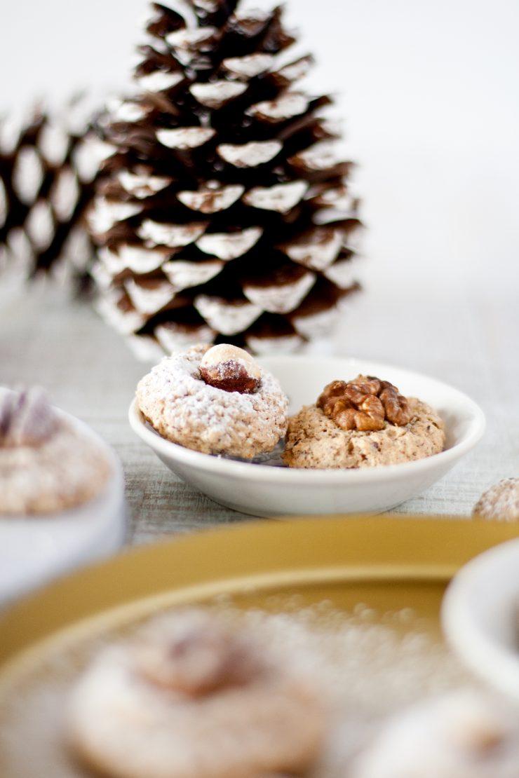 Haselnussmakronen // Macaroons with Hazelnuts by http://babyrockmyday.com/haselnussmakronen/
