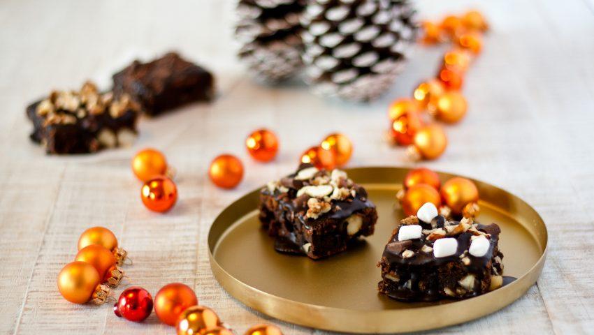 Tipps für Weihnachten Macadamia Brownies // Brownies with macadamia nuts by http://babyrockmyday.com/macadamia-brownies/