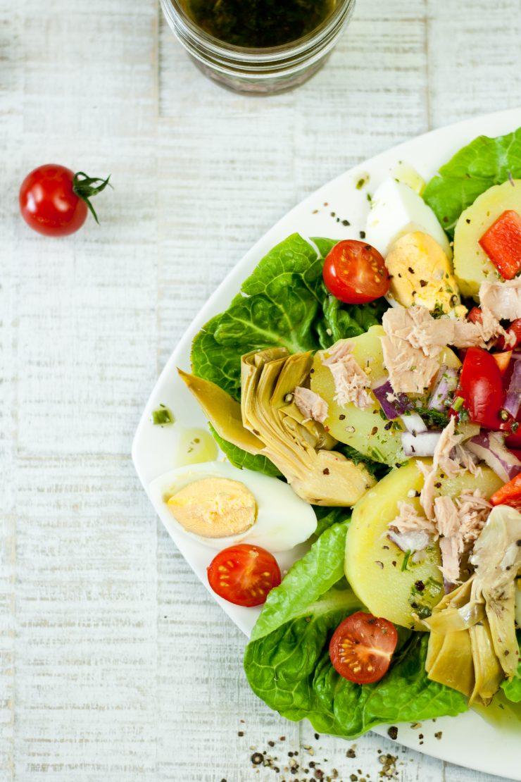 Nizzasalat mit Thunfisch und Ei // nicoise tuna salad by http://babyrockmyday.com/nizzasalat/
