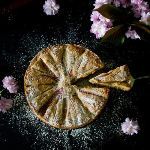 Rhabarberkuchen nach Linda Lomelino // Rhubarb Cake by http://babyrockmyday.com/rhabarberkuchen-nach-lomelino/
