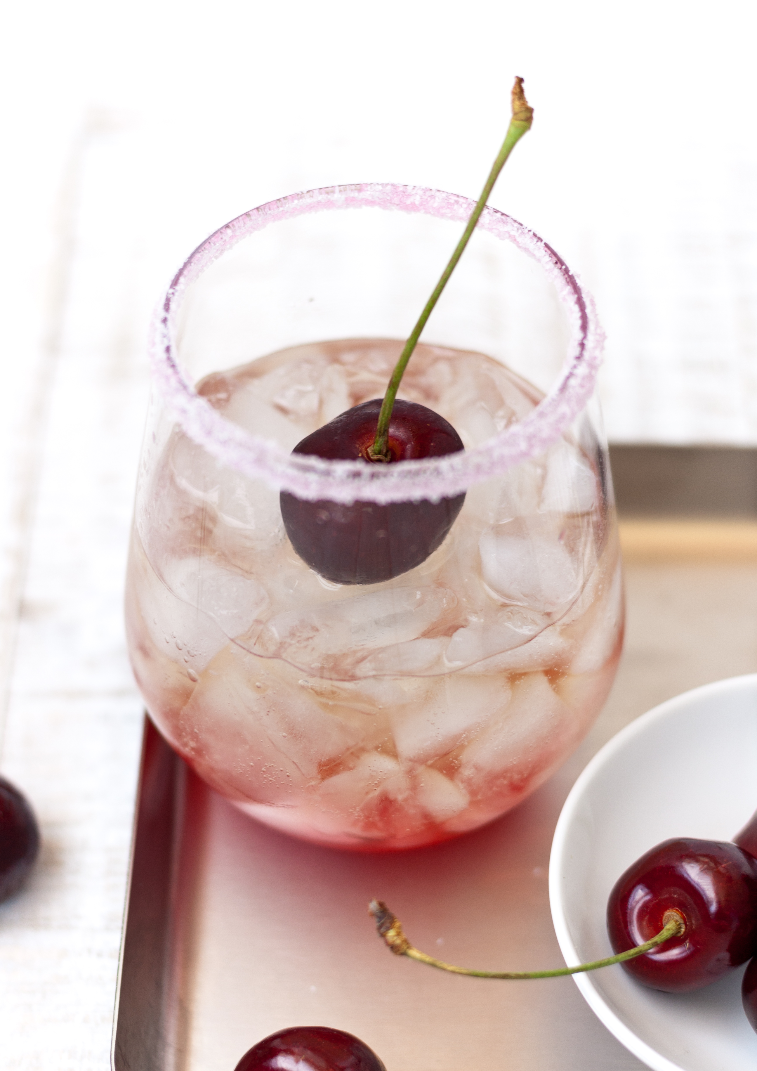 6 Bloggerinnen – 1 Menü: als Aperitif einen Shirley Temple // Shirley Temple Drink by http://babyrockmyday.com/shirley-temple/