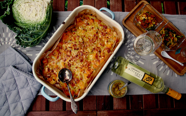 Rheinhessischer Kürbis-Zwiebel-Kuchen mit lauwarmem Wirsingsalat // Pumpkin-Onion-Cake withCurry Savoy Salad by http://babyrockmyday.com/kuerbis-zwiebel-kuchen-mit-wirsingsalat/