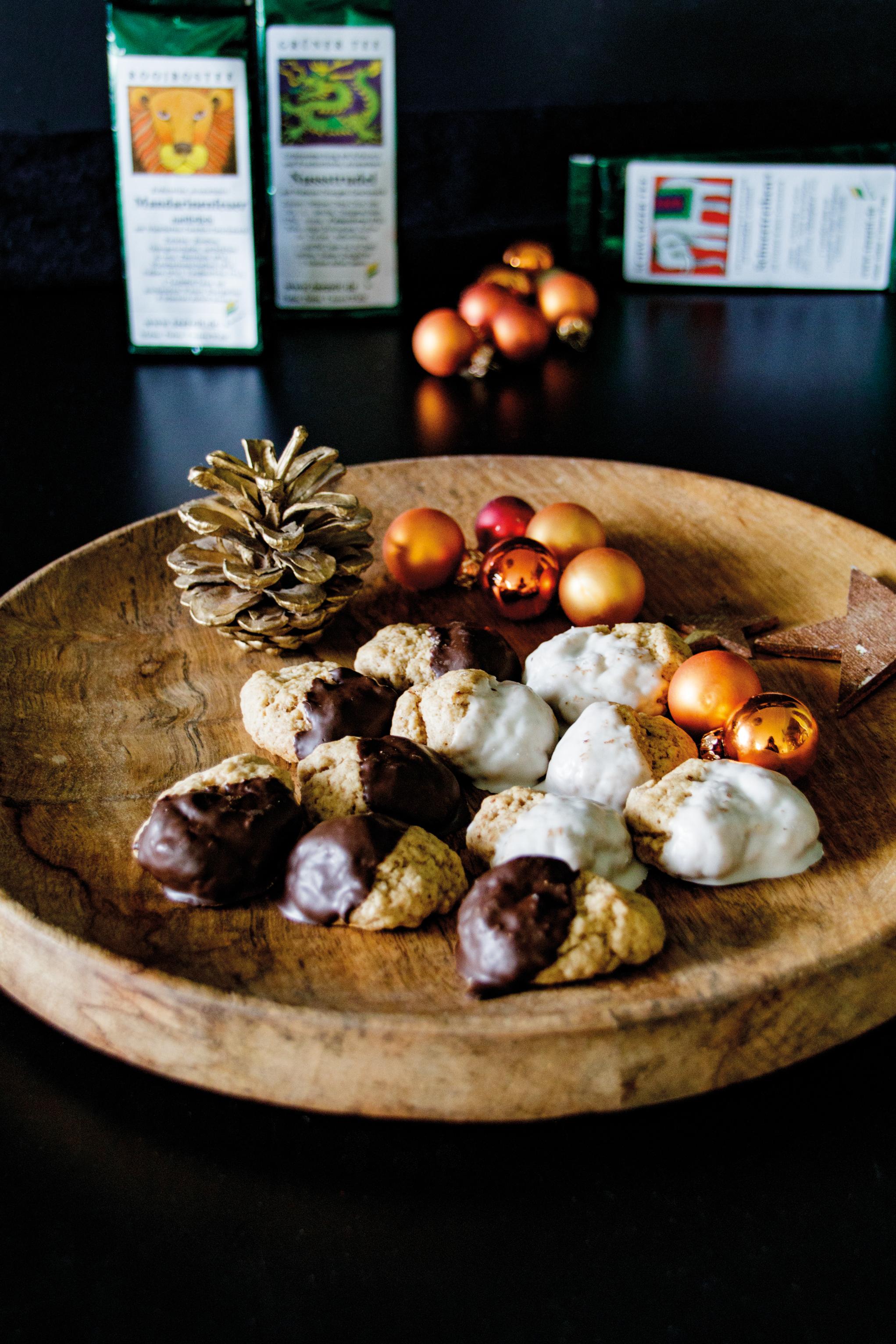 Tipp für Weihnachten – Pfeffernüsse // Pepper Nut Cookies by http://babyrockmyday.com/pfeffernuesse/