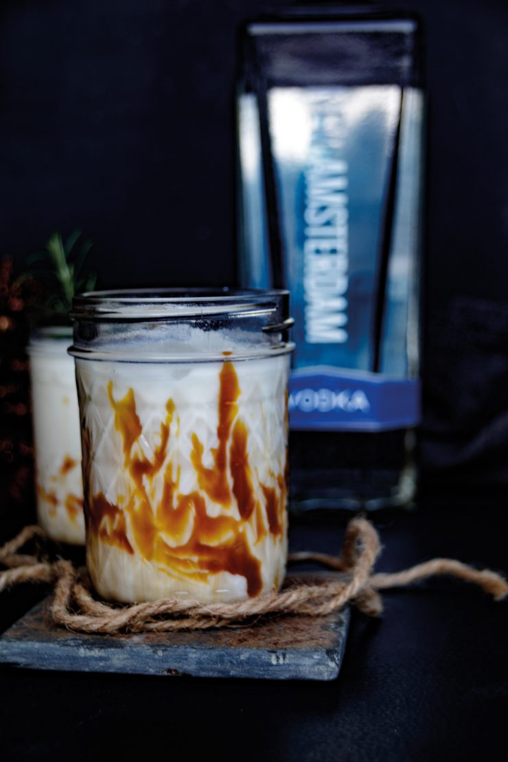 White Russian mit New Amsterdam Vodka by http://babyrockmyday.com/white-russian/
