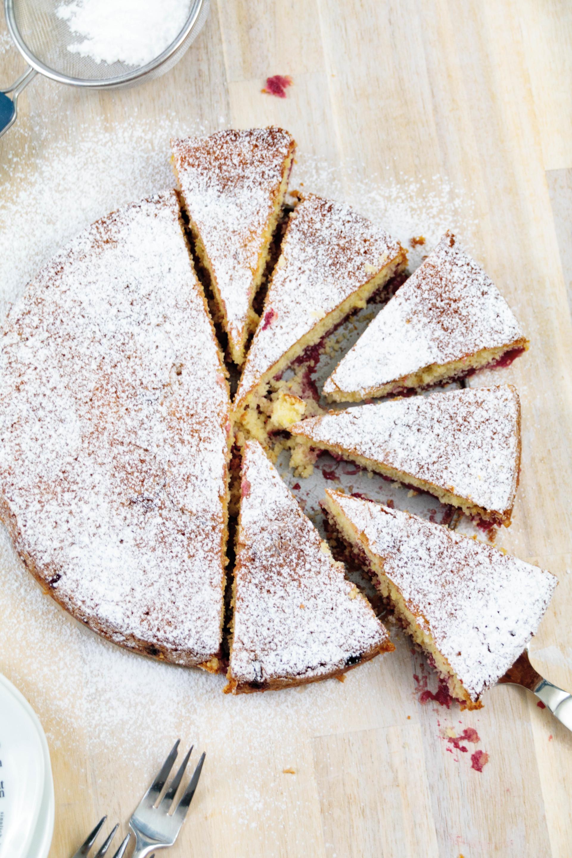 Buttermilch Kirschkuchen // Buttermilk Cherry Cake by http://babyrockmyday.com/buttermilch-kirschkuchen/