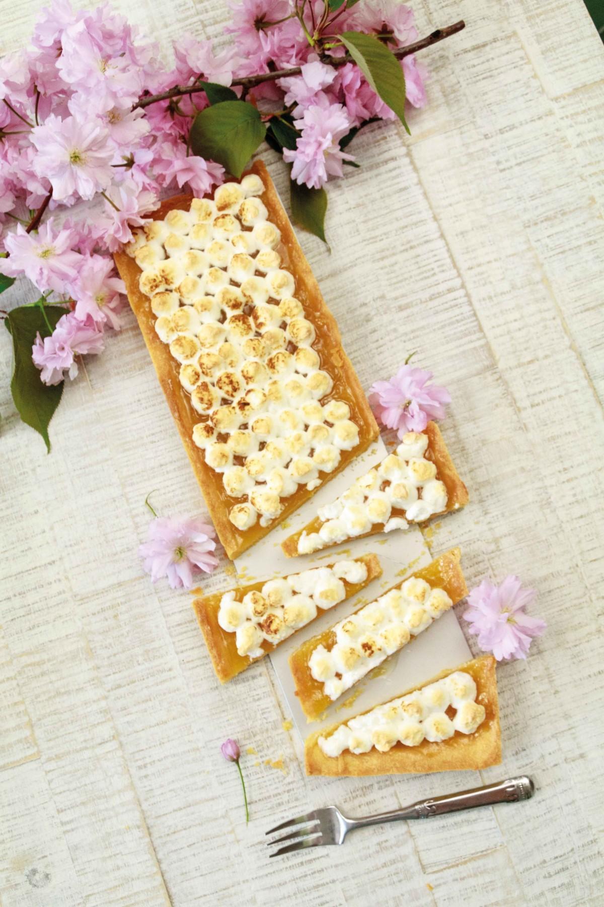 Zitronentarte mit Baiser // Lemontarte with Meringue by http://babyrockmyday.com/zitronentarte-mit-baiser/