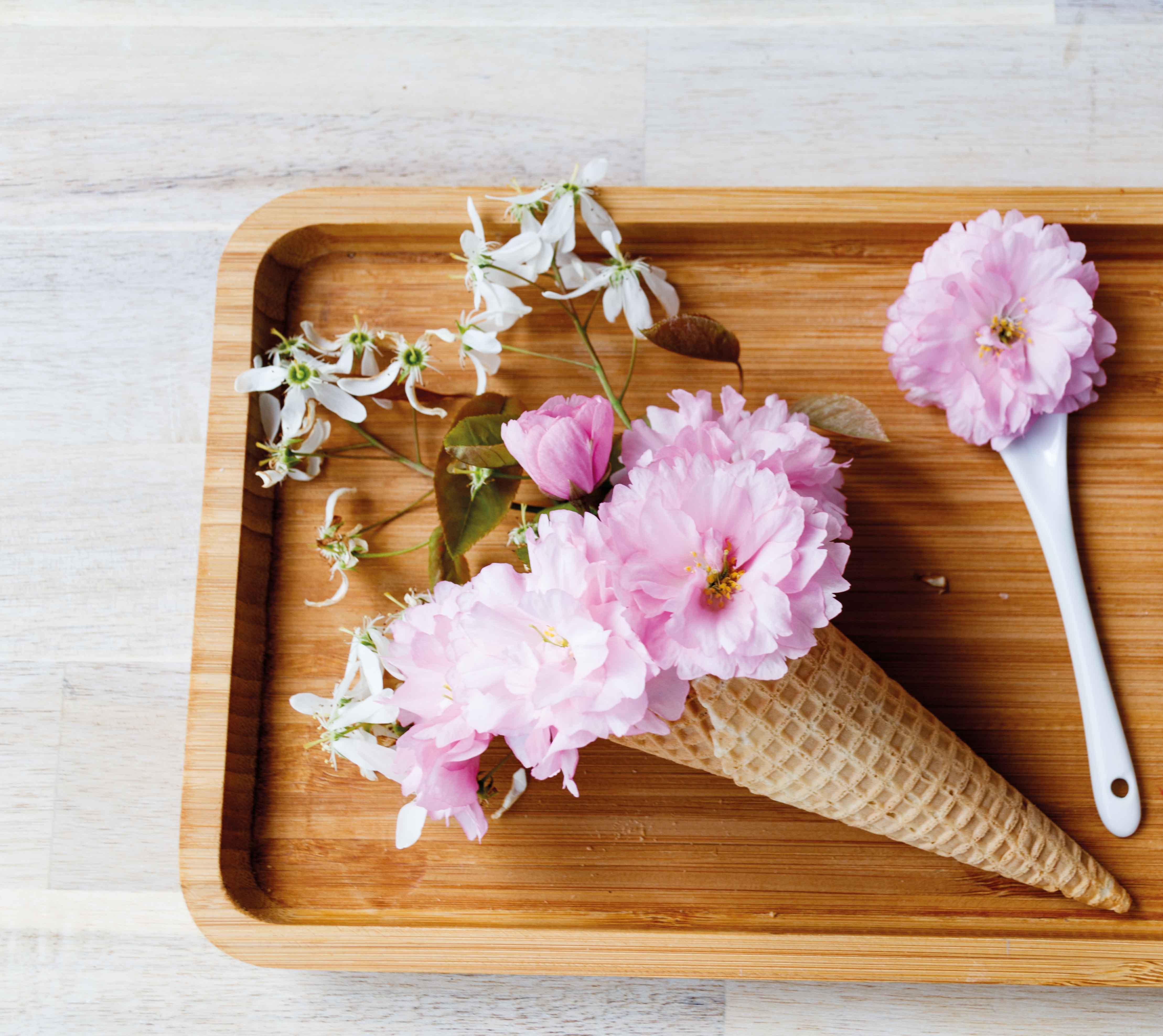 Himbeer-Cheesecake-Eis // Raspberry Cheesecake Icecream by http://babyrockmyday.com/himbeer-cheesecake-eis/